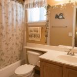 Bathroom_Guest2.jpg